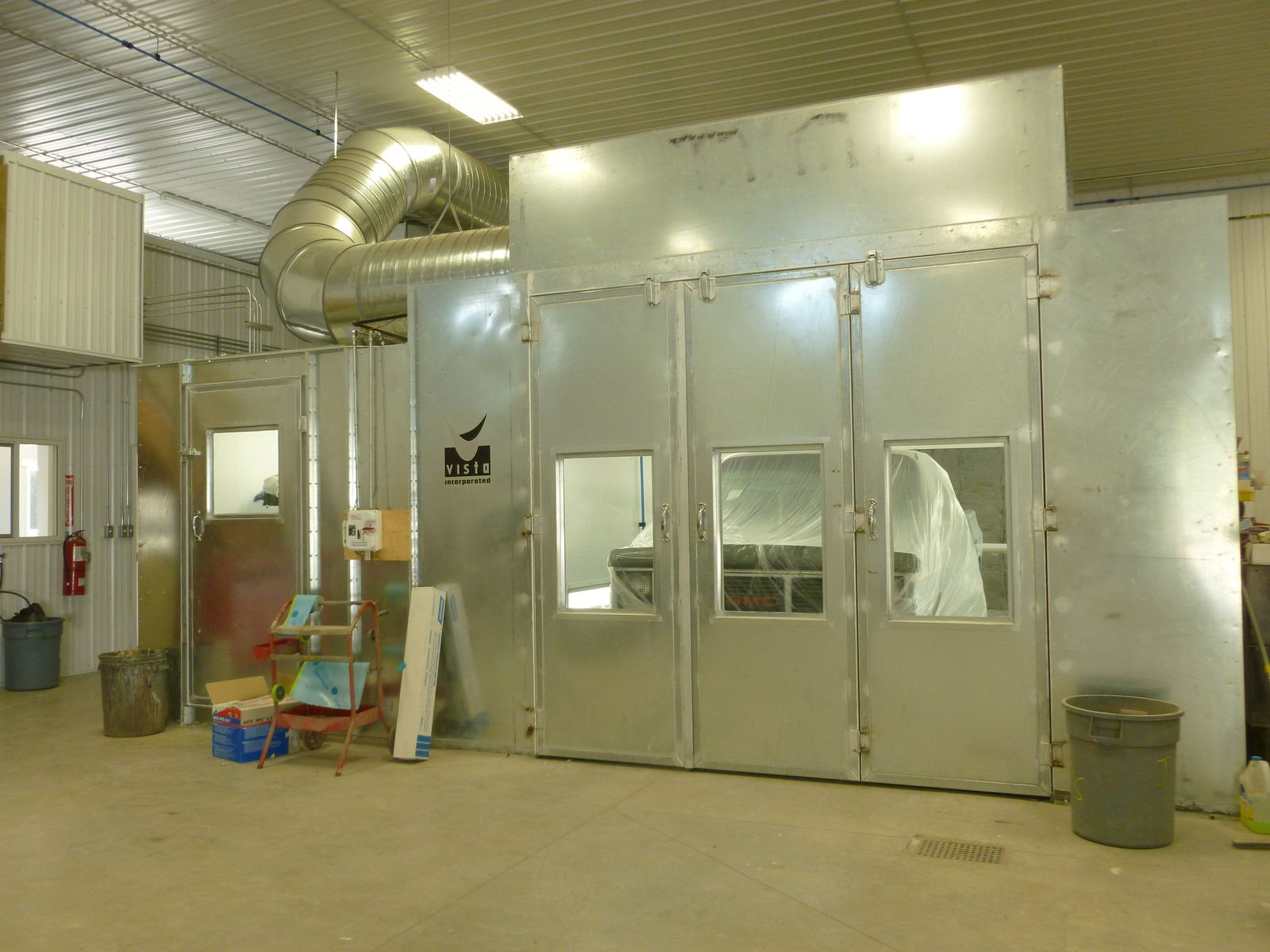 Moose Jaw Collision Centre - Paint Shop